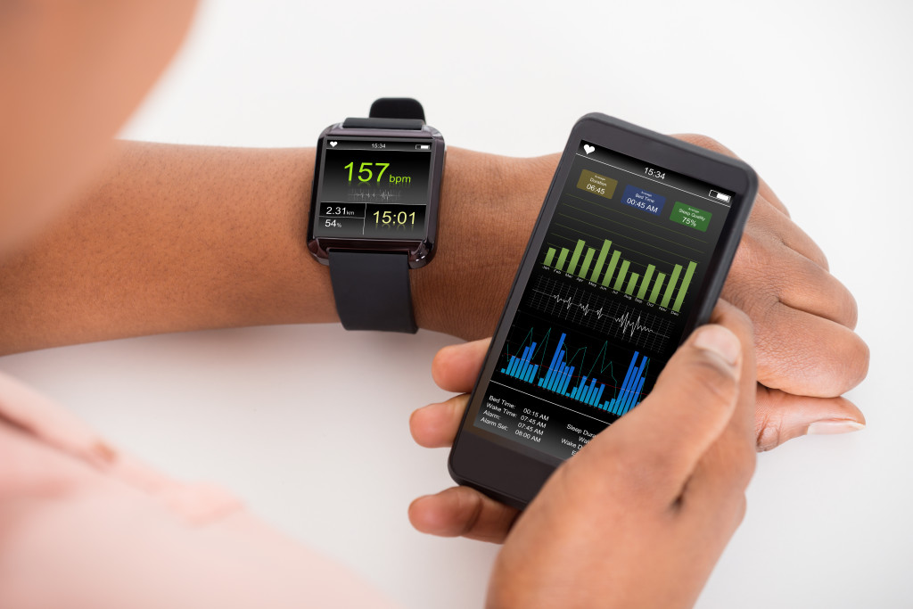 heartbeat on smartwatch shutterstock_344624564